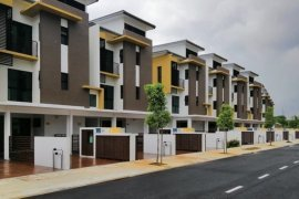 3 Bedroom Townhouse for sale in Sepang, Selangor