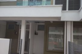 4 bedroom townhouse for rent in Selangor