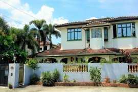 6 Bedroom House for sale in Taman Bertuah, Perak
