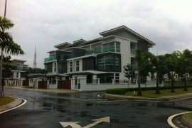 8 Bedroom House for sale in Subang Jaya, Selangor