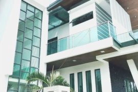7 Bedroom Villa for sale in Selangor