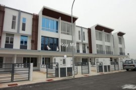 3 Bedroom Townhouse for sale in Ulu Perak, Perak