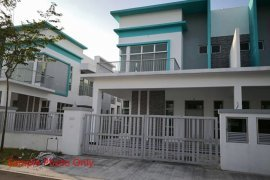 5 Bedroom House for sale in Johor