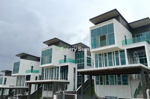 6 bedroom commercial for sale in Taman Melawati, Batu Pahat