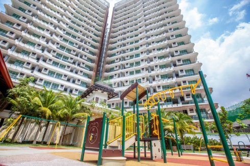 5 bedroom condo for sale in Armanee Terrace II