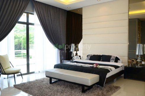 6 Bedroom House for sale in Raintree Residences, Johor